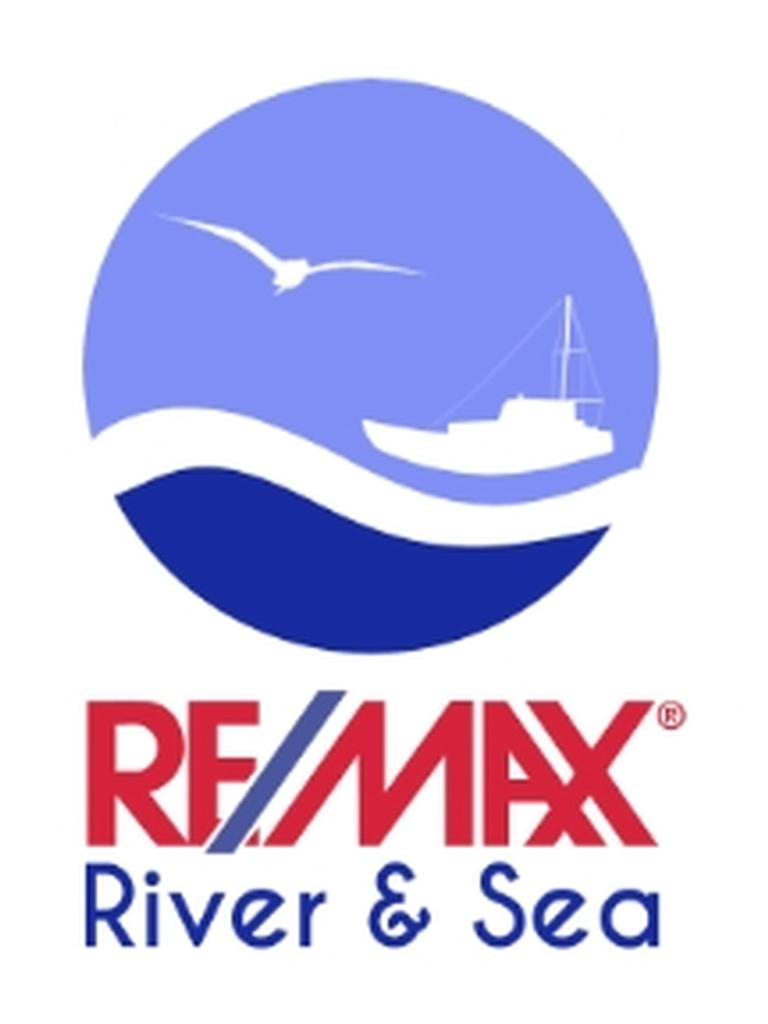 RE/MAX River & Sea
