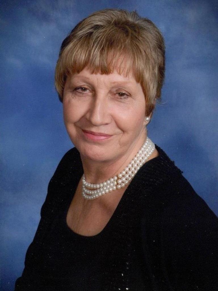Edina Amundsen Profile Photo