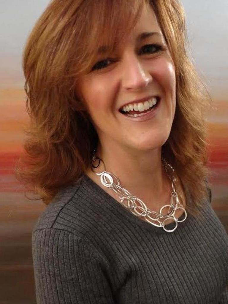 Taralyn Farrell Profile Image