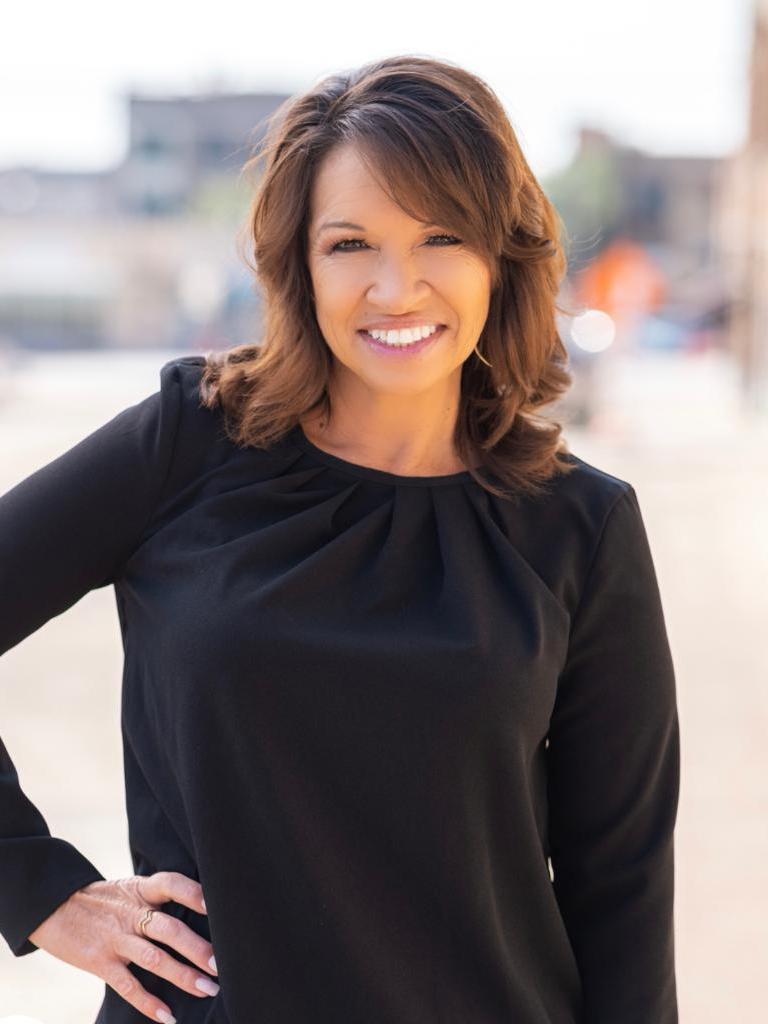 Kat Leos Profile Photo