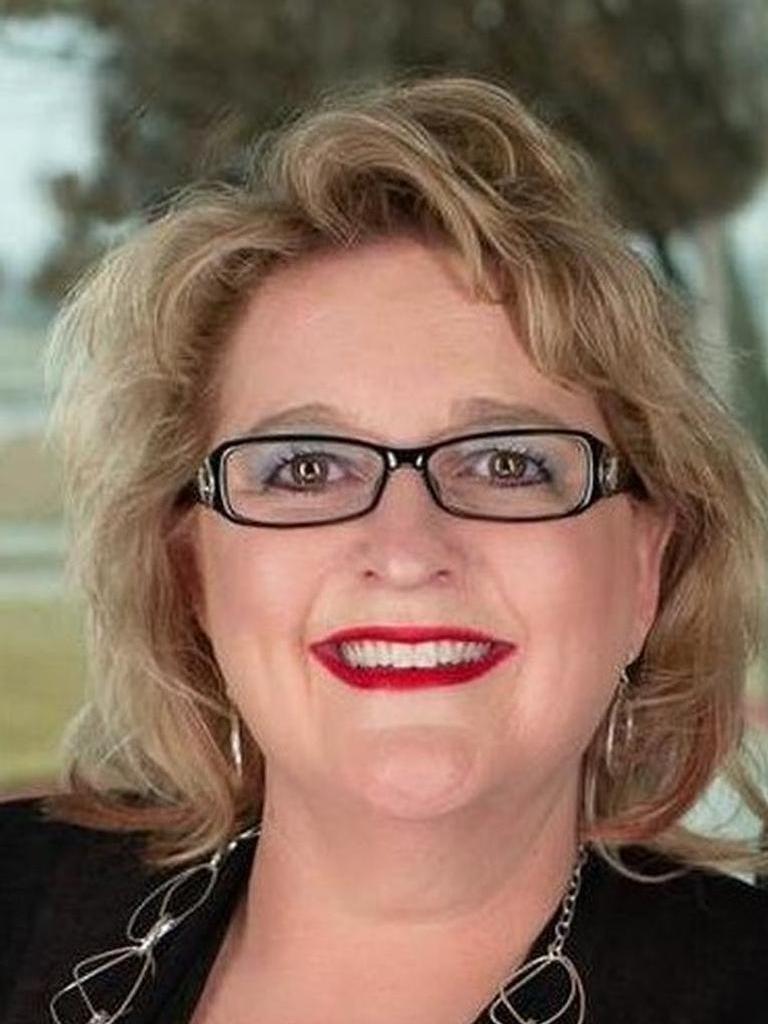 Lisa Henry-Weaver, Legacy Broker