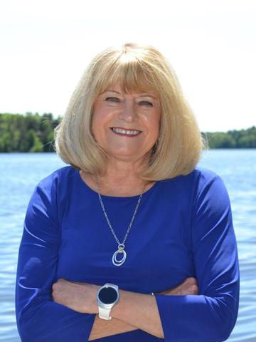 Julie Kinney Profile Image
