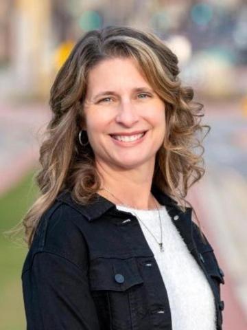 Holly Bowe Profile Image
