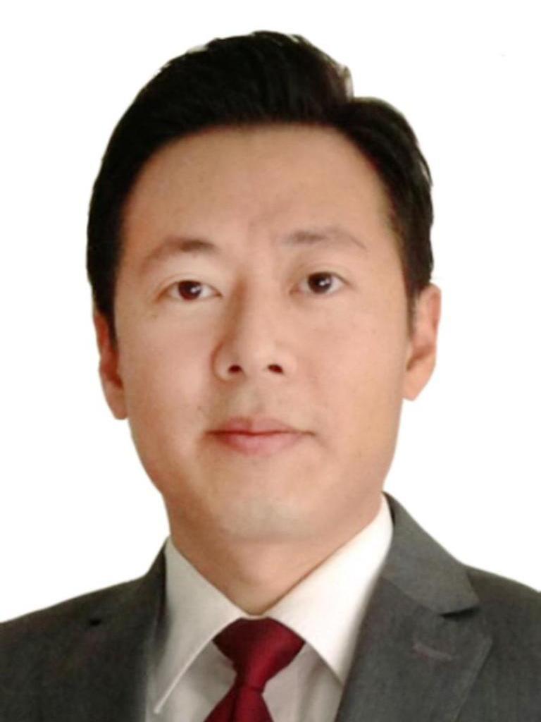 YU SOON HWANG