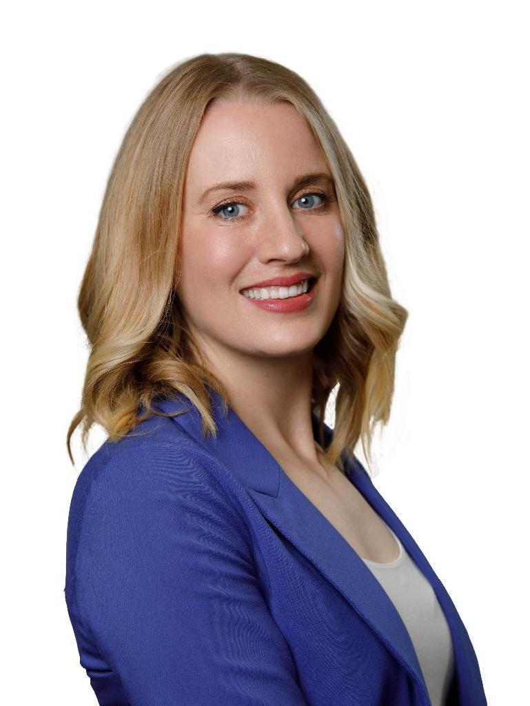 Lea Thompson Profile Photo