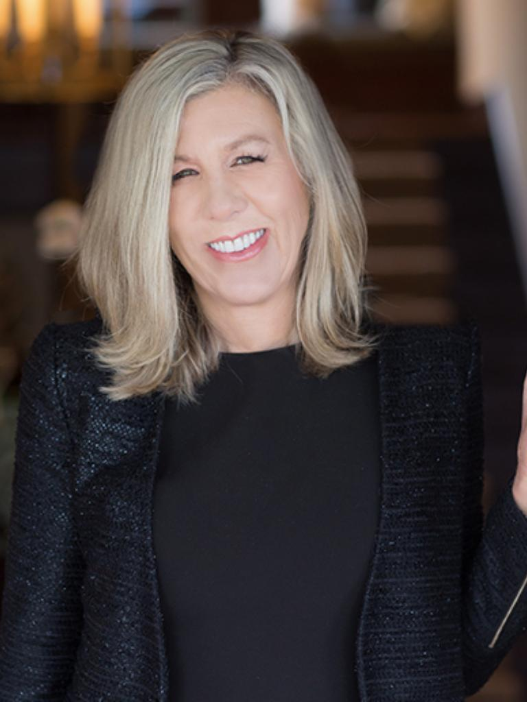 Lisa Turnure Profile Image