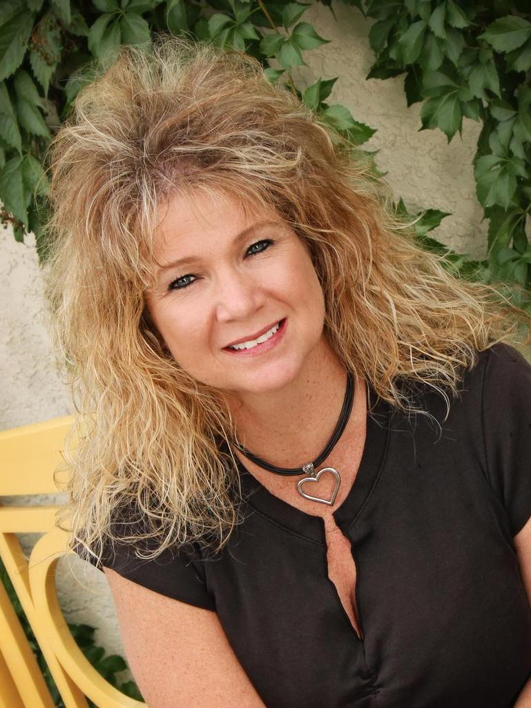 Lori Mallon Profile Image