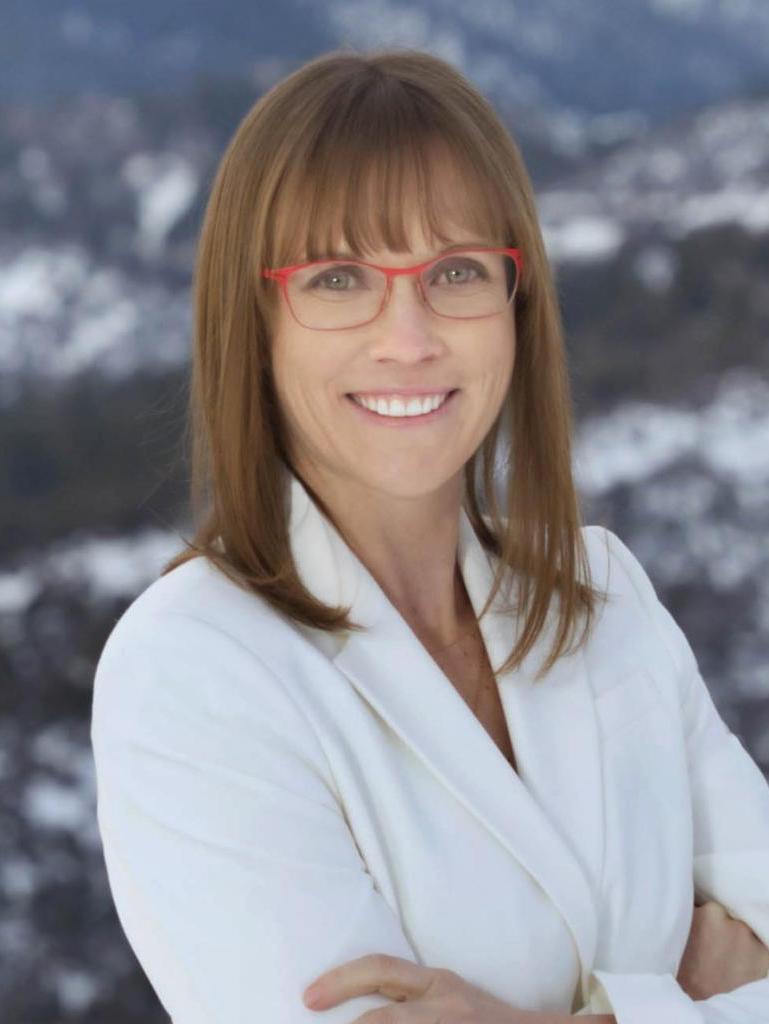 Rebecca Applegate Profile Image
