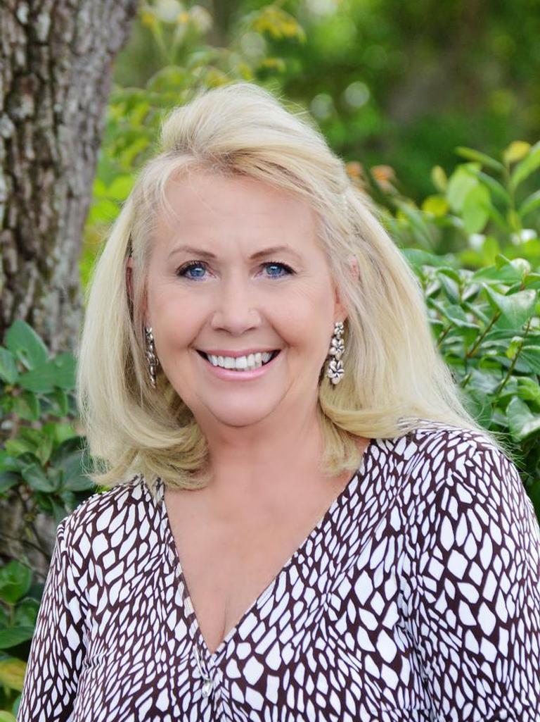 Leslie McDougall