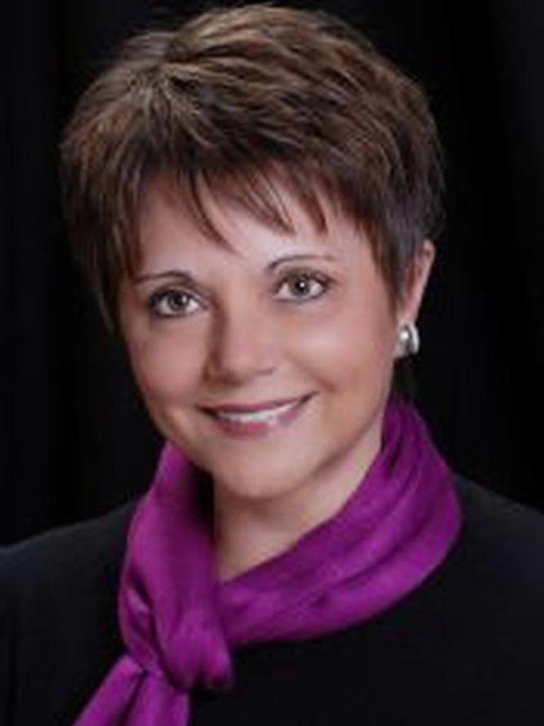 Kathy Bayer