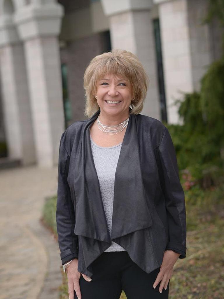 Colleen Hauser Profile Image