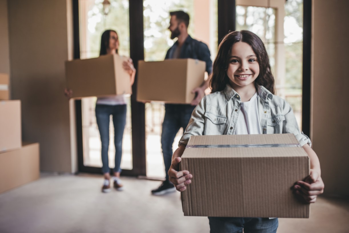 10 Hacks to Make Moving Day a Breeze Main Photo