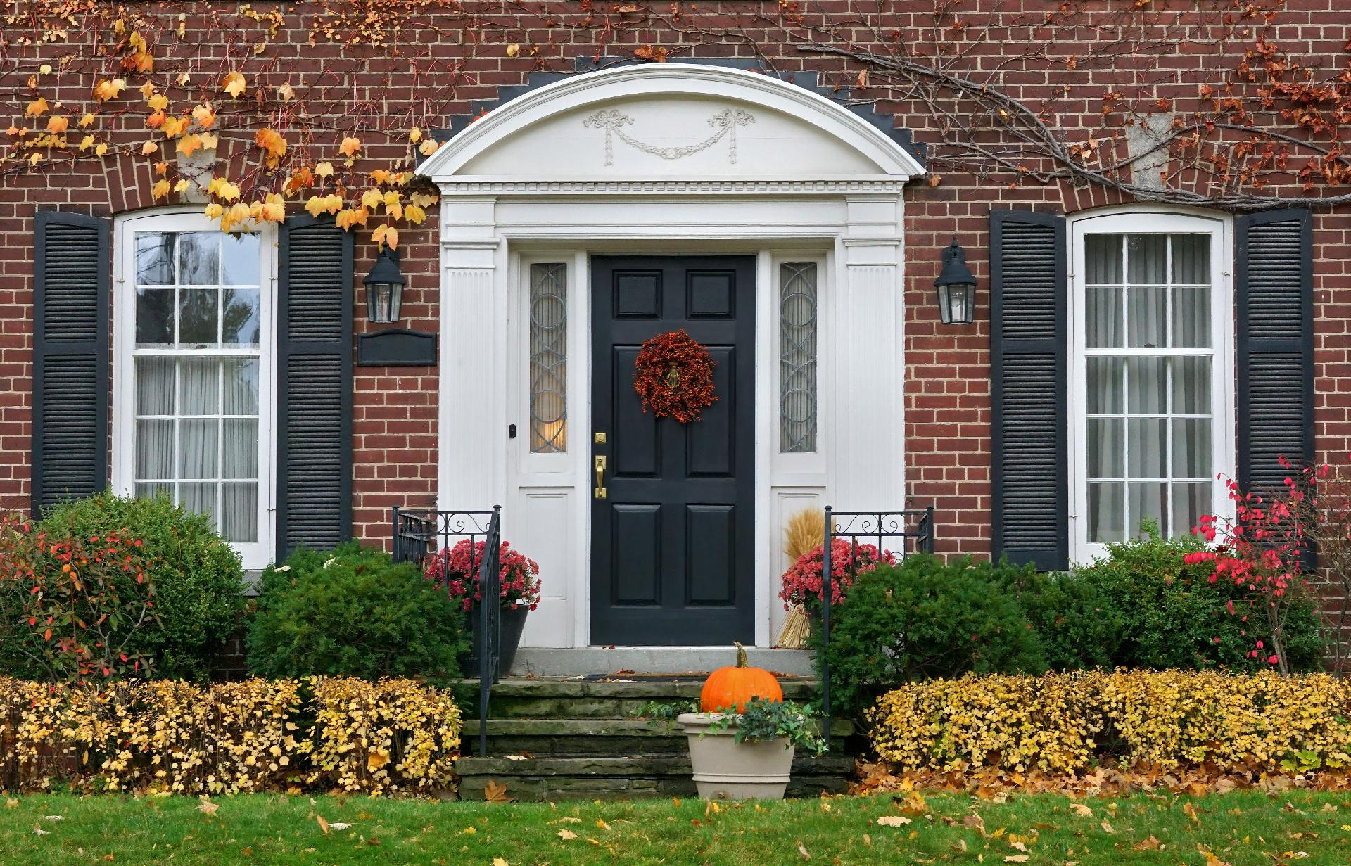 List your house in fall? Picture