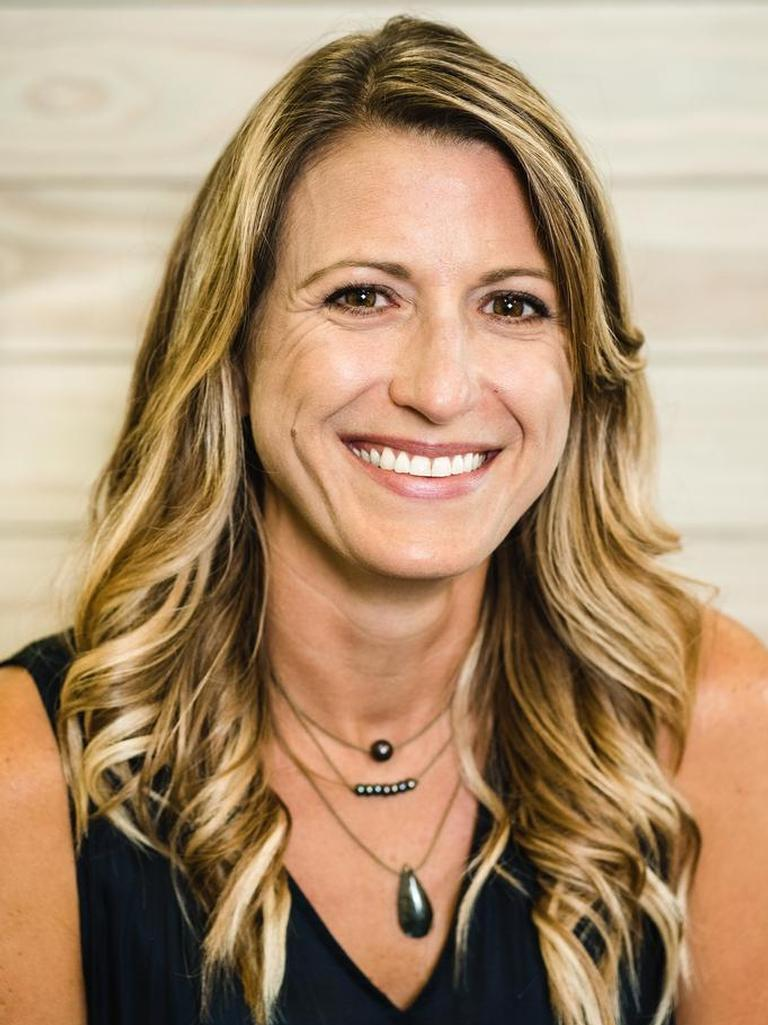 Christi Knoll Profile Photo