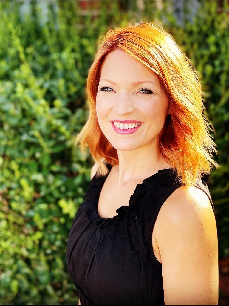 Emily Nicholas Profile Photo