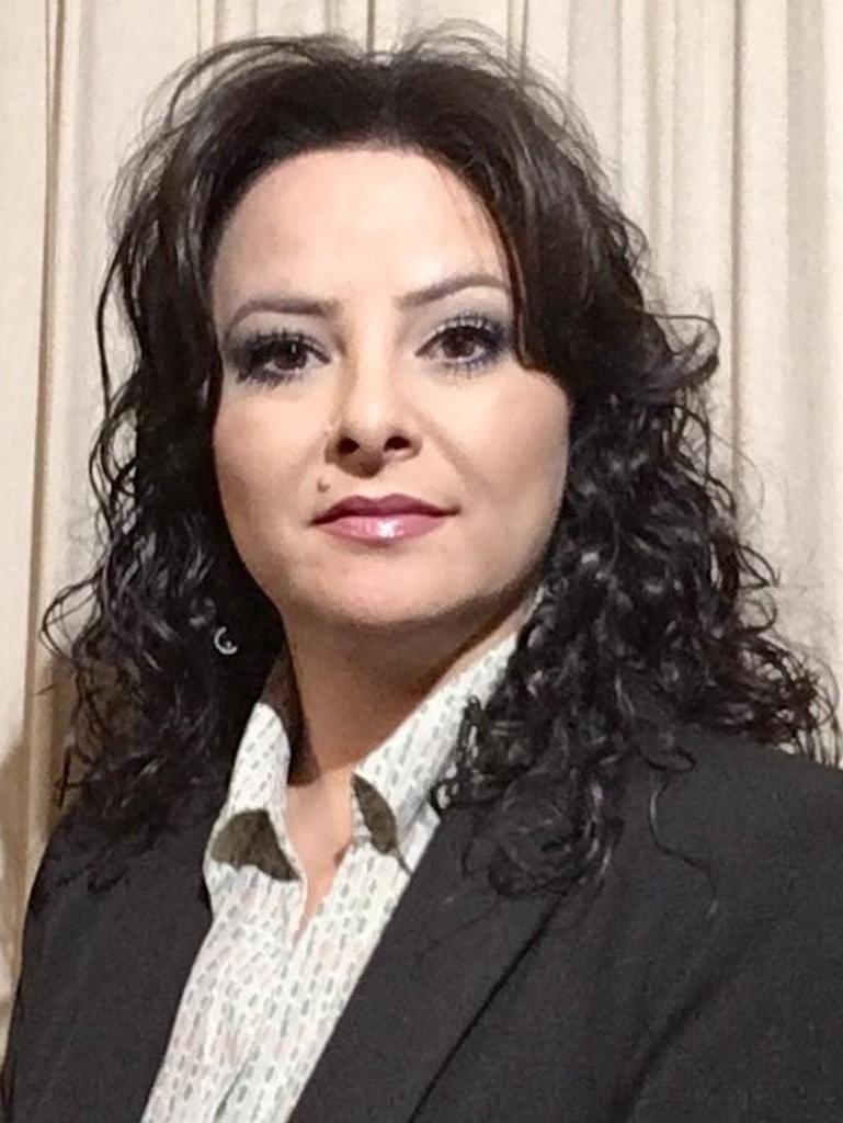 Elaine Larranaga Profile Image