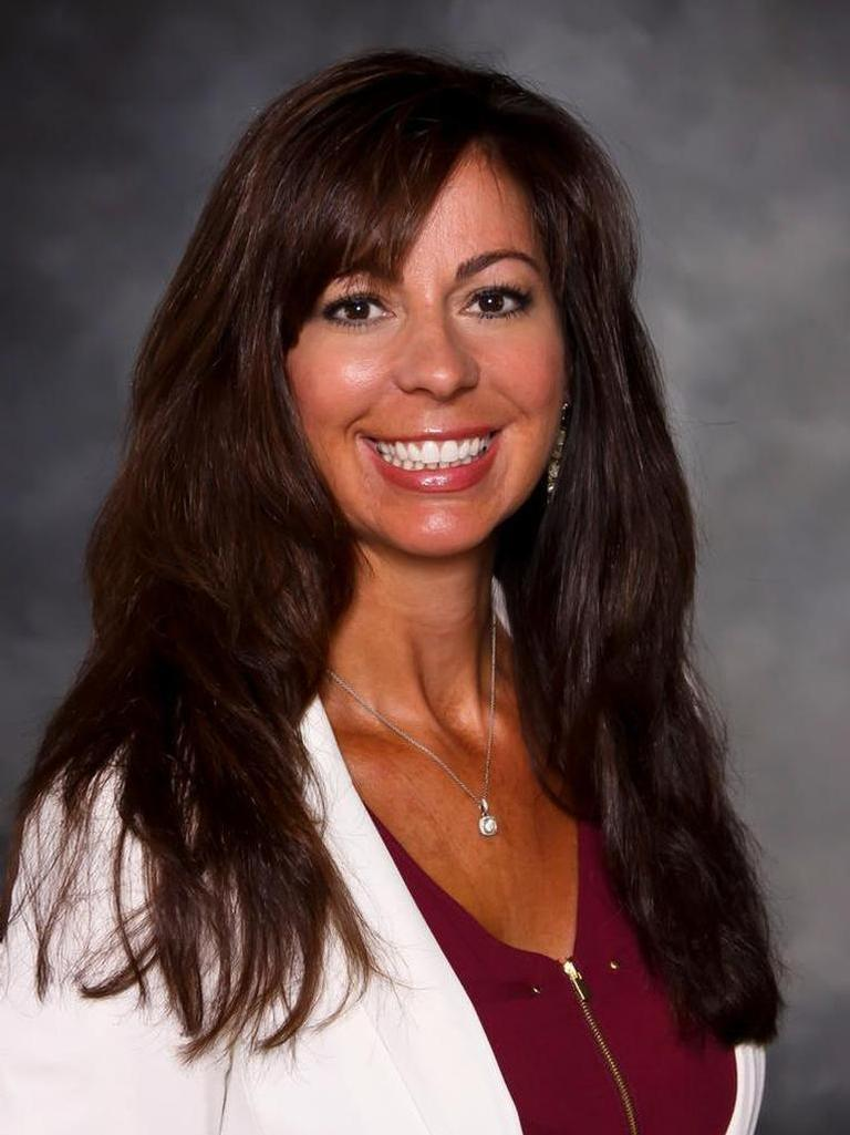 Angela Lobato profile image