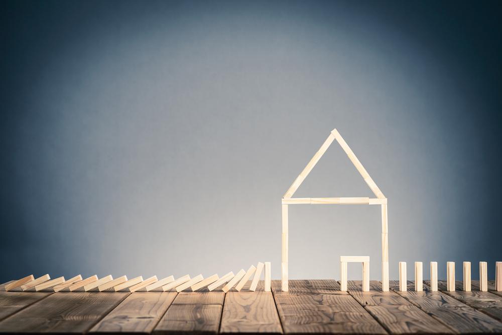 Avoid Risky Property-Buying Options Main Photo