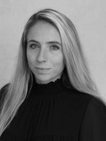 Zoe Warren Profile Image