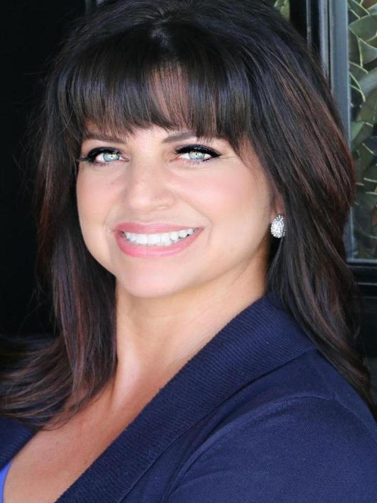 Diane Castro-Perez Profile Image