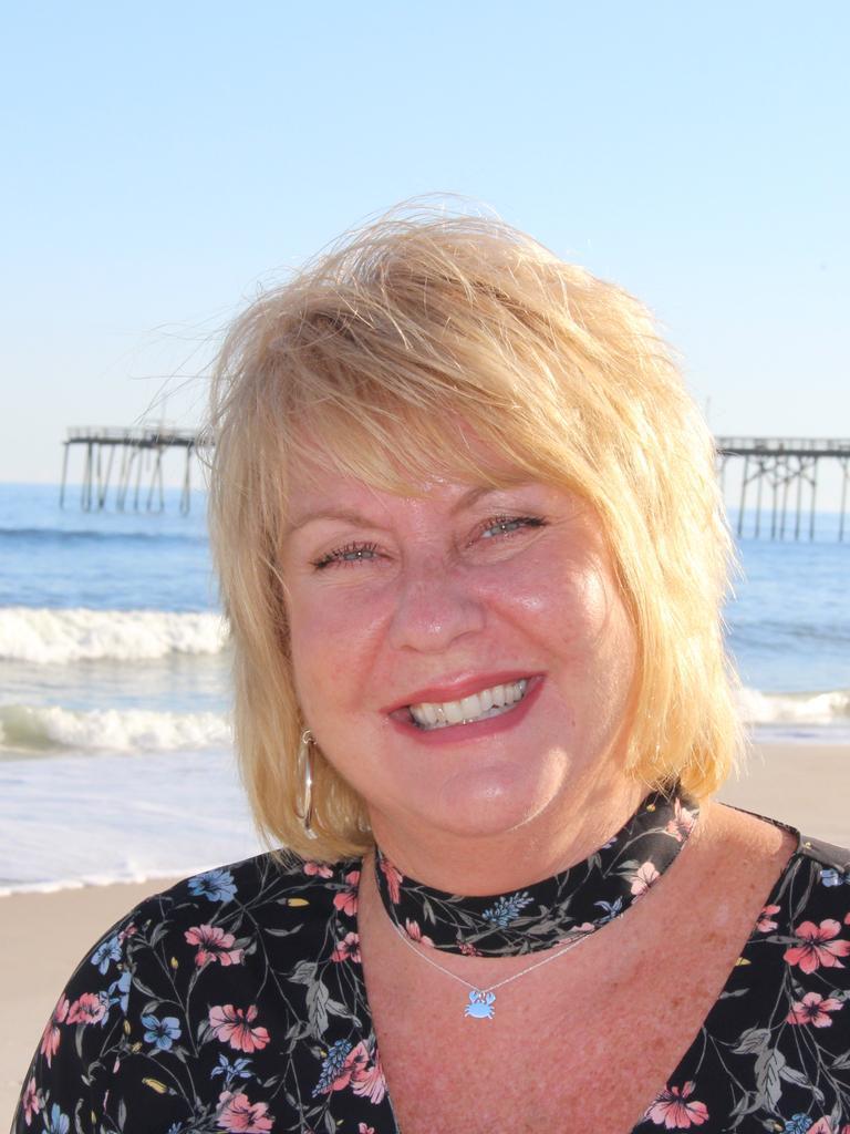 Carolyn Kaster