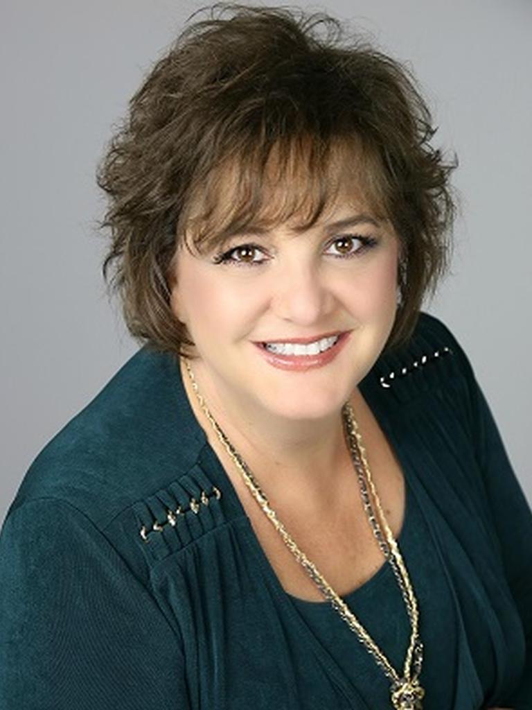 Julie Roberts Profile Image