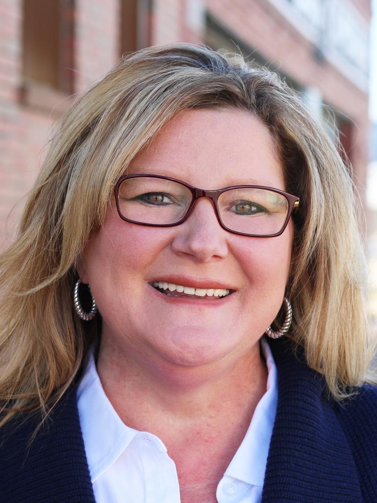 Anita Woods Profile Image