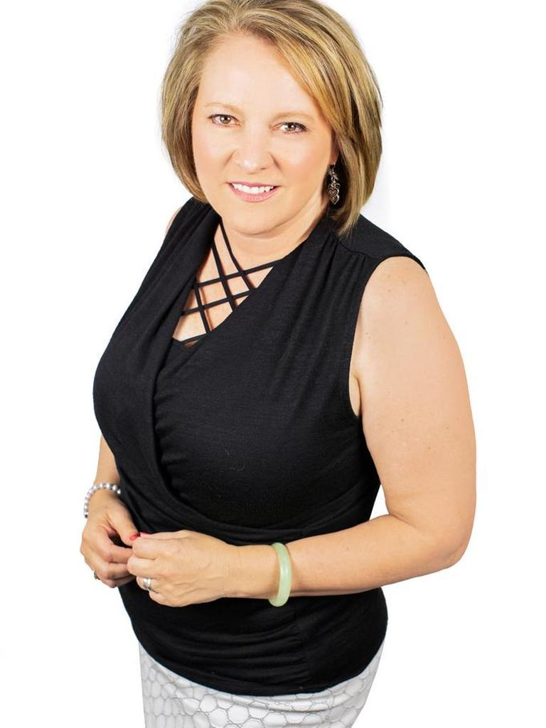 Laurie Cox Profile Photo