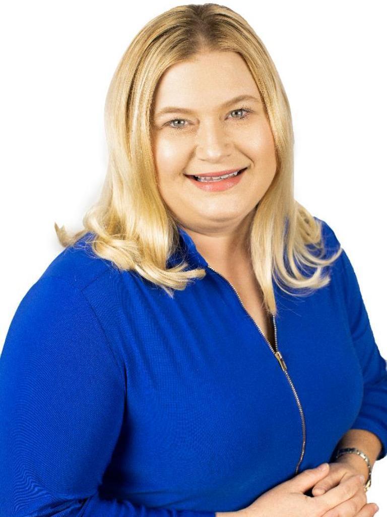 Nicole Shelton