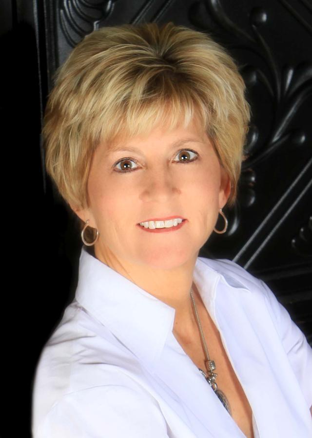 Teresa Favors