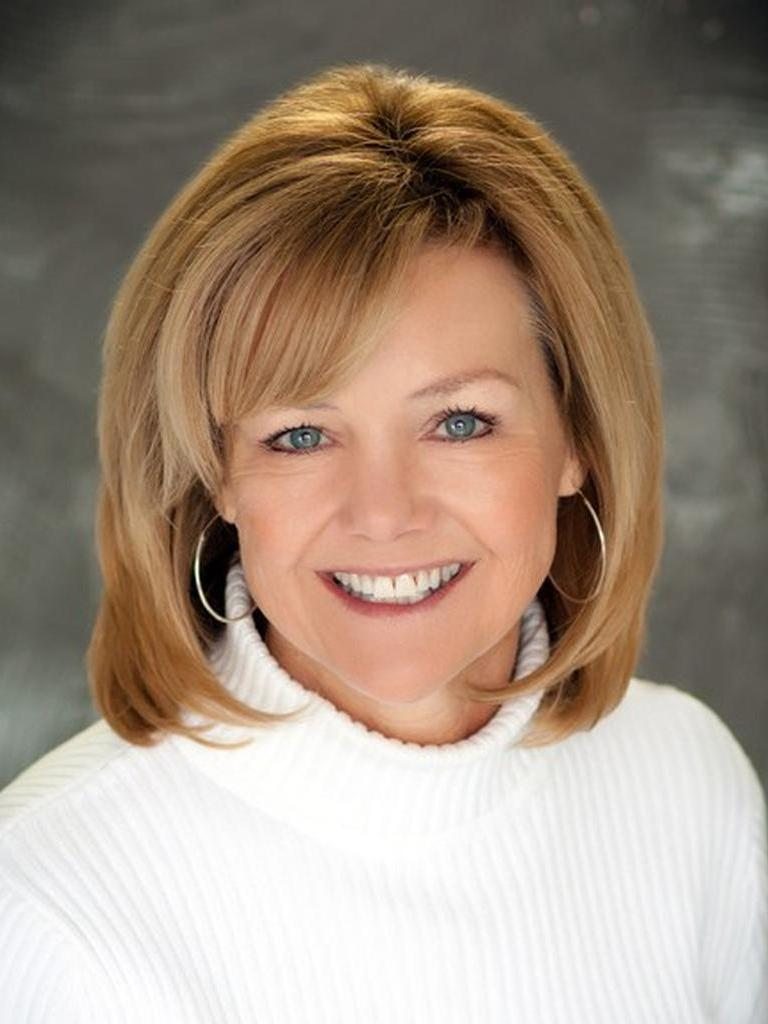 Amy Zubor Profile Image