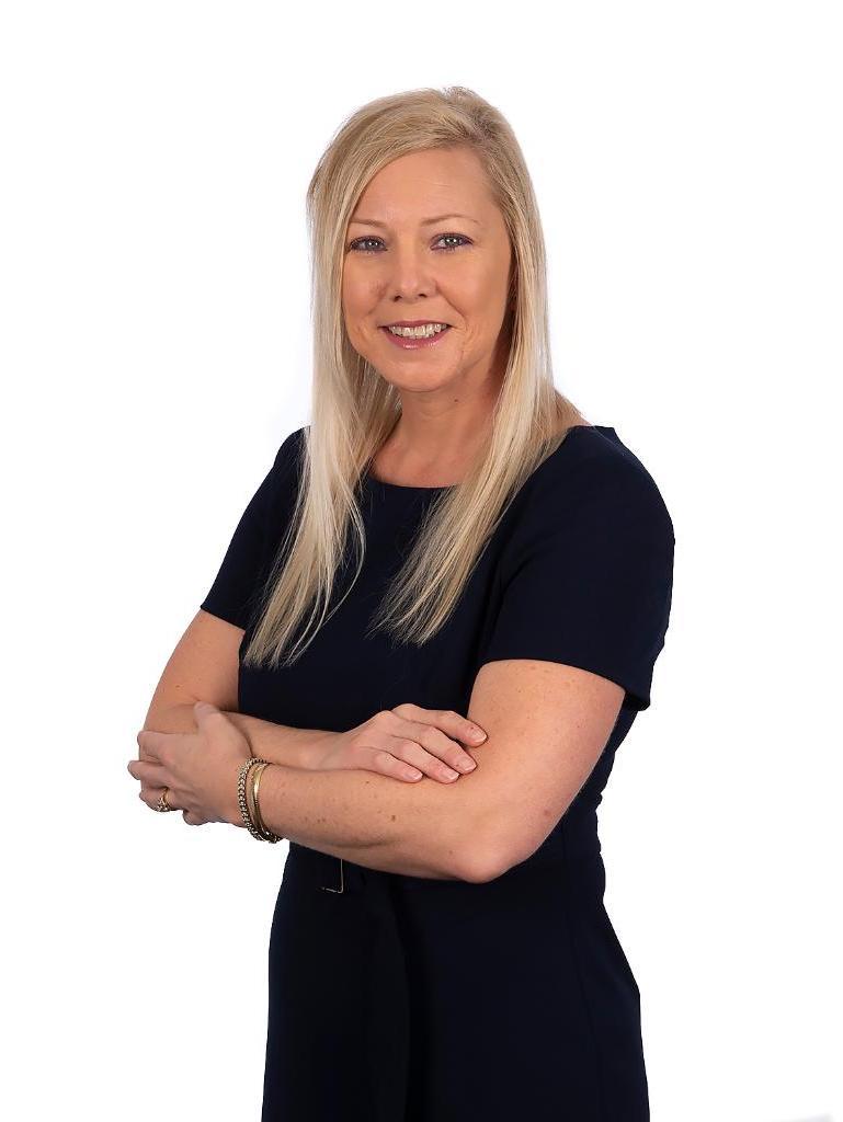Kari Dickey Profile Image