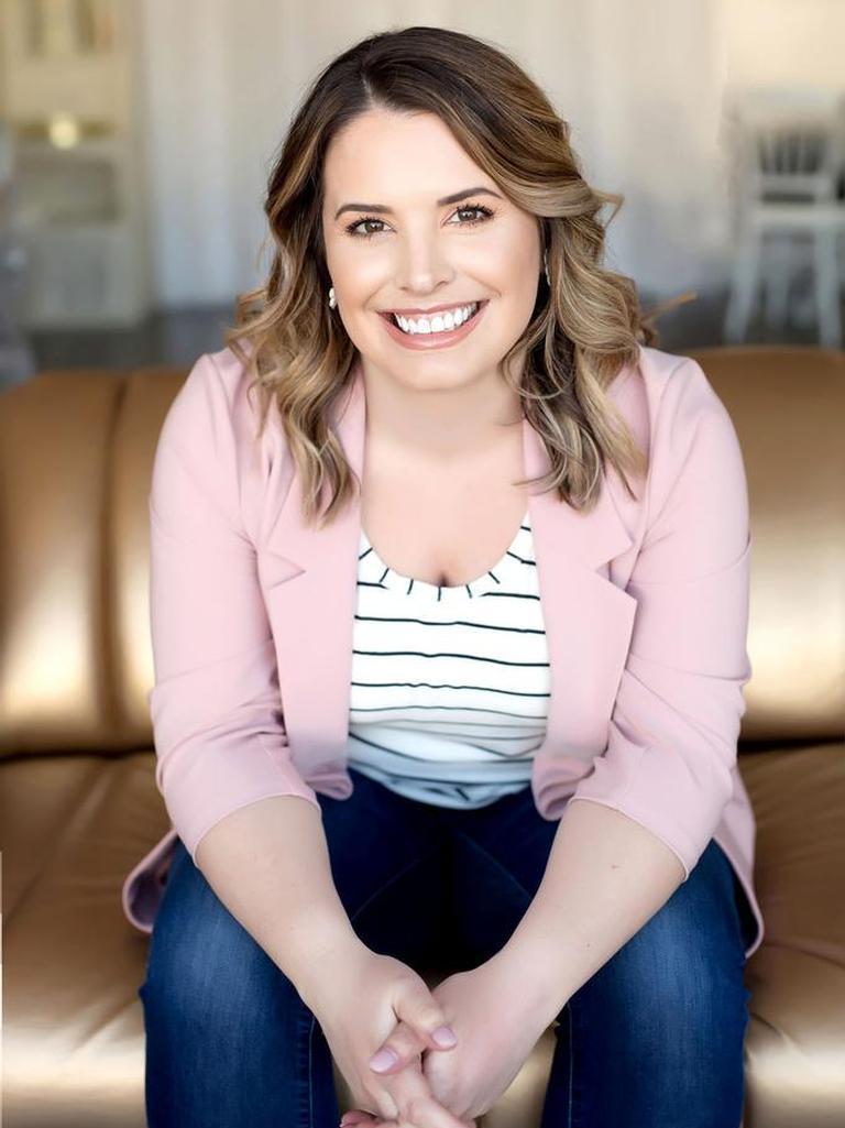 Lauren Flannery