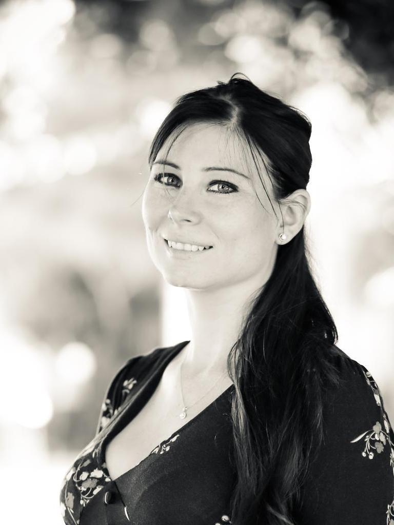 Lynn Dowe Profile Image