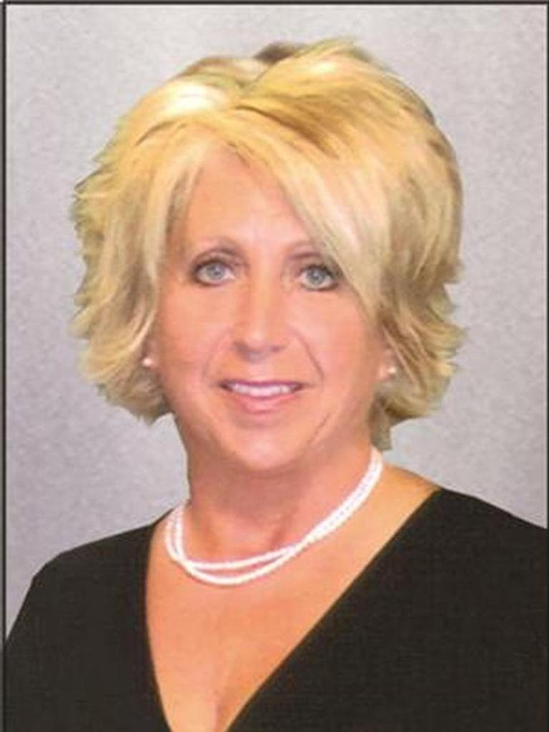 Karen Dull Profile Image