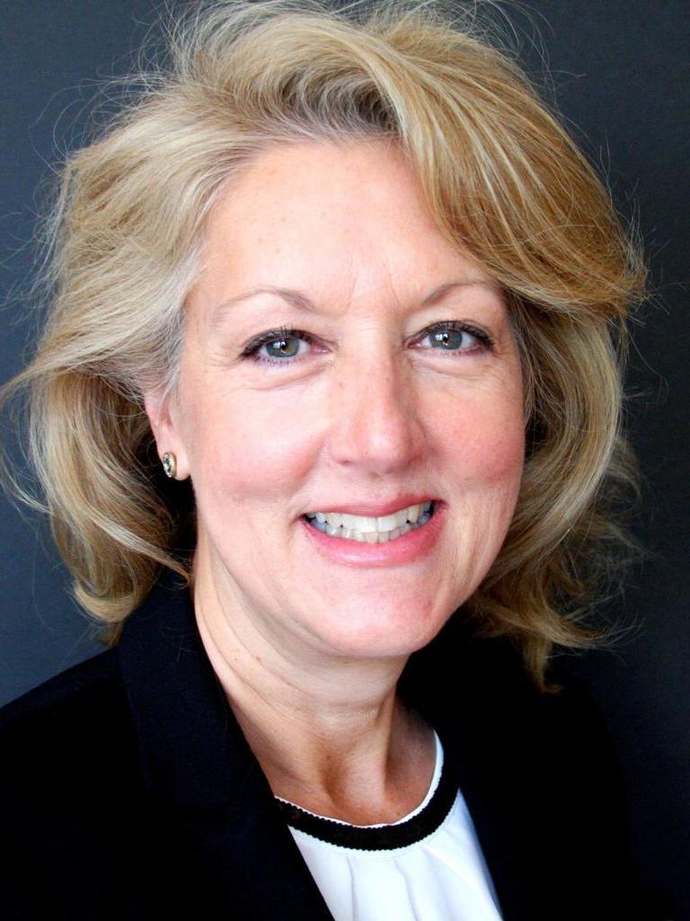 Lynne Mosteller