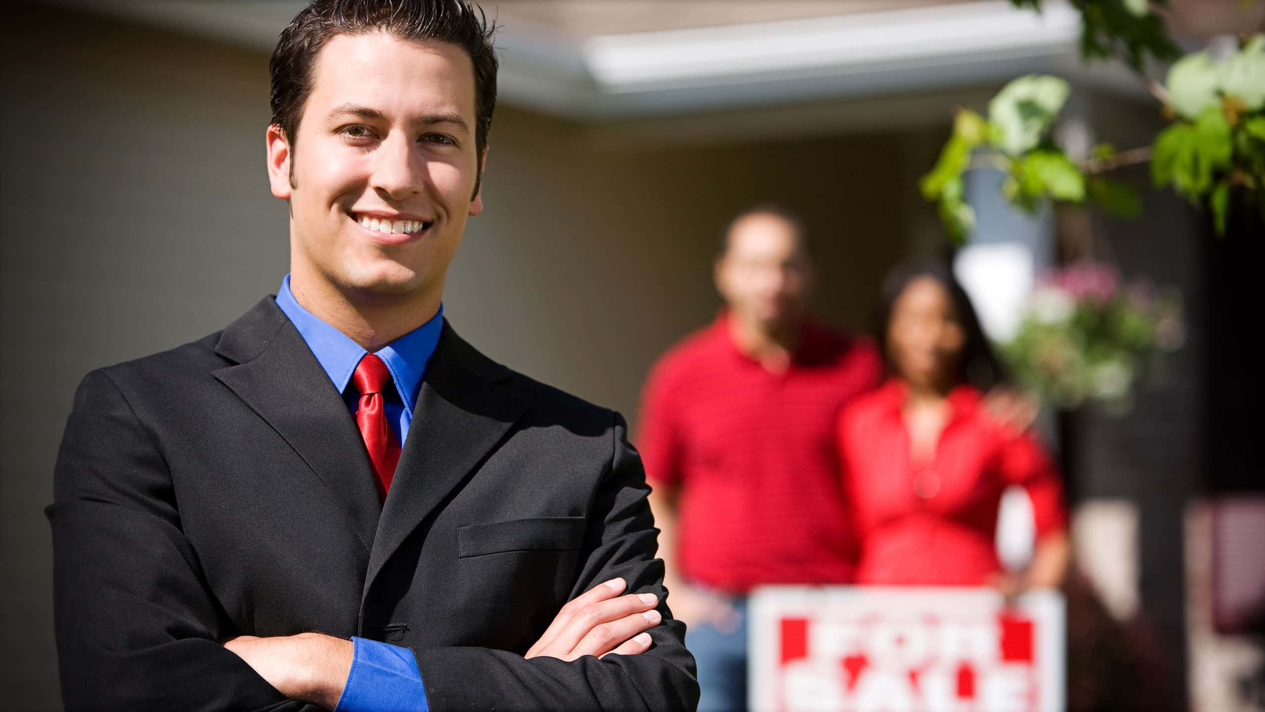 What is involved in becoming a real estate agent?
