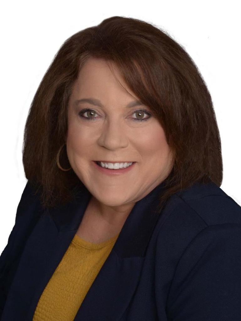 Valerie Hahn Profile Image